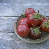 Tomato 'Black Cherry'