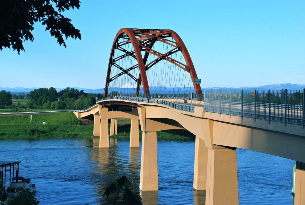 Sauvie Island Bridge, by Steve Morgan, https://creativecommons.org/licenses/by-sa/3.0/deed.en