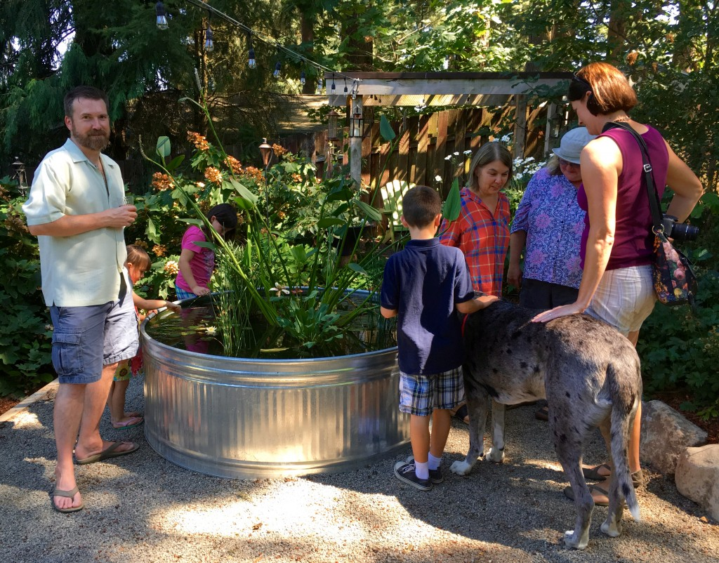 Garden bloggers, kids, giant pooch. We had it all.